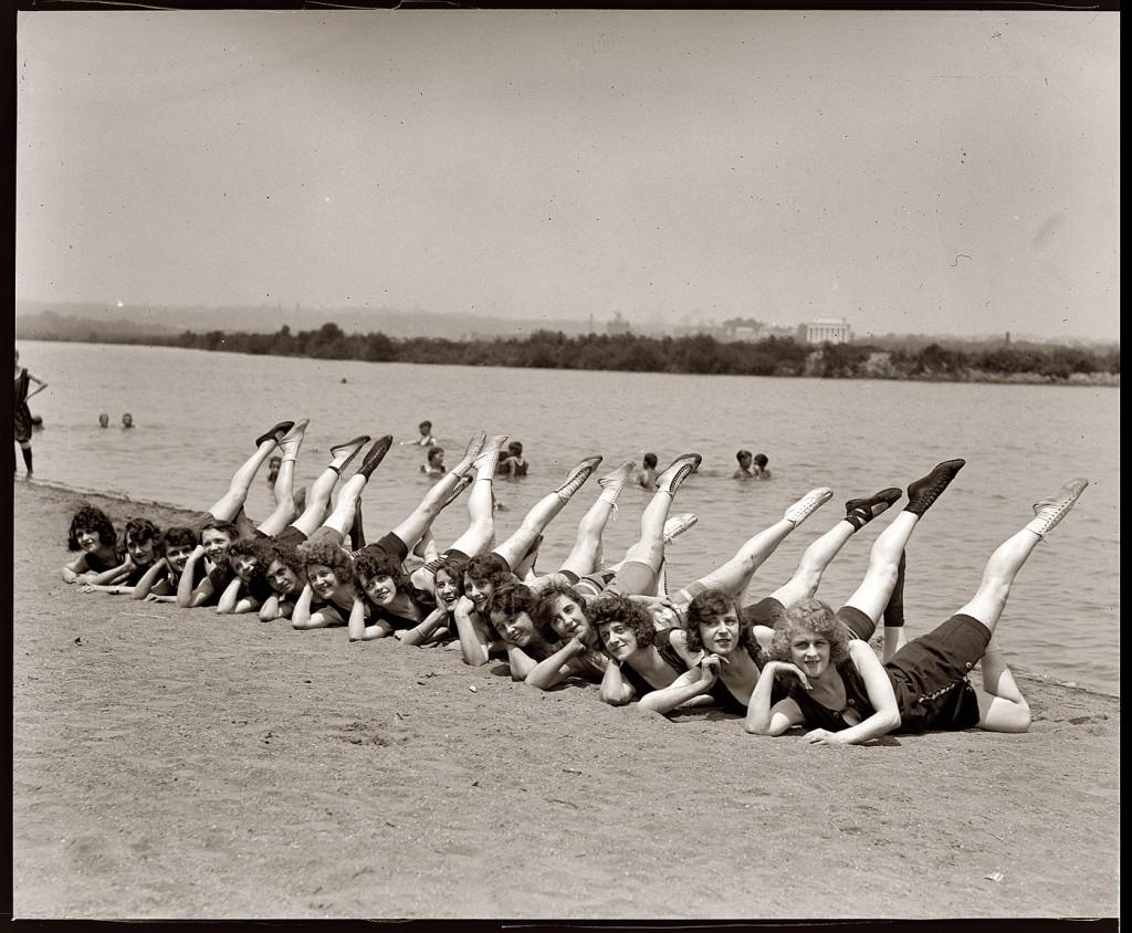 1923 Sunshine Girls 1923