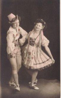 Margaret boy Hilda girl tillers 1945 Bradford 2