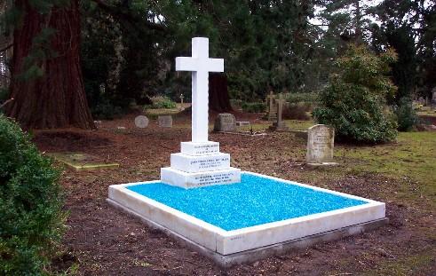 J Tiller's Grave Feb 2007